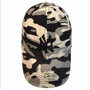 New York Yankees Twins Camo Paintball Clean-Up Cap